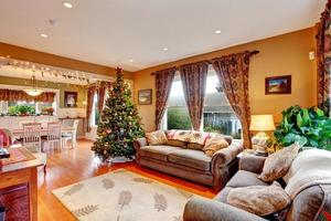 vardagsrum på julafton foto
