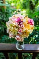 bröllopsbukett, blommor, rosor, vacker bukett foto