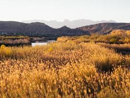 soligast över Rio Grande River.