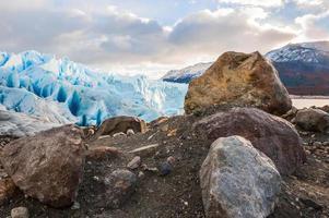tidigt på morgonen på glaciären perito moreno, argentina foto