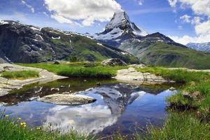 panorama av matterhorn, schweiz foto