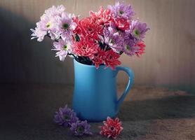 stilleben blommor foto