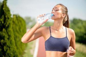 förfriskningar efter jogging foto