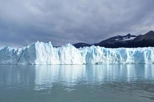 perito moreno glaciär. foto