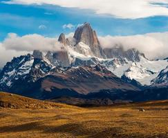 fitz roy mountain, el chalten, patagonia, glaciärer nationalpark argentina. foto