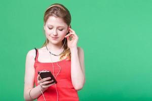 lyssnar på musik foto