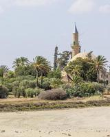 larnaka hala sultan tekke nära salt sjö i cypern