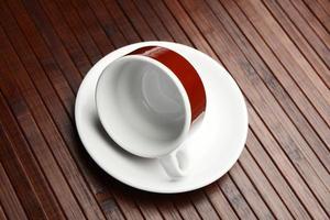 kaffekopp och fat foto