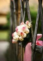 bröllop bukett rosor foto