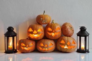 halloween stilleben med pumpor foto