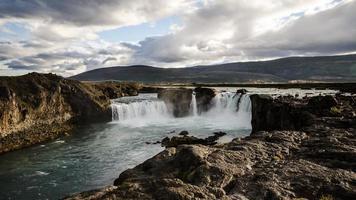 goðafoss vattenfall - island