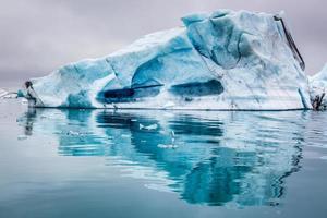 fantastiska isberg på Island
