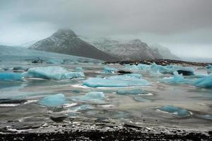 jökulsárlón är en stor issjö i sydöstra Island