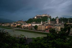 Salzburg i skymningen