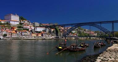 porto (portugal) vid floden douro