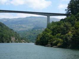 bro över Duero-floden foto