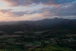solnedgång vid valle de los ingenios, provinsen Trinidad, Kuba