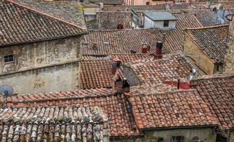 utsikt över en by i Toscana, Italien