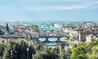 Florens stad med fantastisk bro Ponte Vecchio, Italien, resor d
