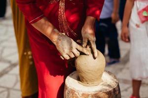 lerkruka skapande traditionella vietnam