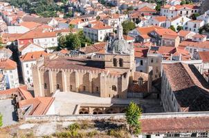 den gamla katedralen i Coimbra