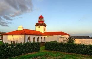 fyr på Flores Island, Azores skärgård (Portugal)