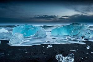 isberg vid Jokulsarlon på södra Island