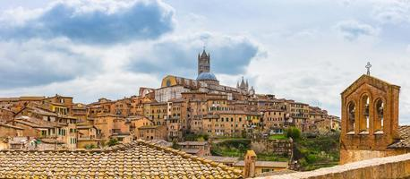 panoramautsikt över Siena i södra Toscana, Italien