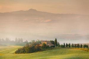 tidigt på morgonen i Toscana