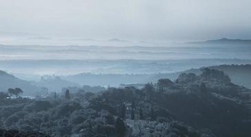 tuscany landskap i skymningen