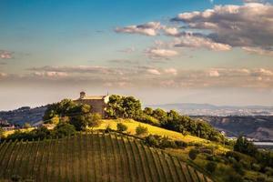 kväll på kullarna i Italien foto