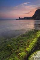 vacker soluppgång på stranden i Krim
