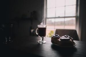 frukost vid fönstret