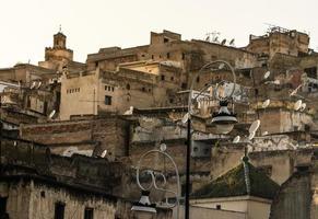 utsikt över Fez Medina (gamla stan i Fes), Marocko foto