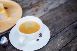 kaffe på bordet foto
