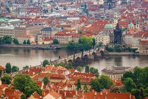 Prag Charles Bridge från Petrin Hill