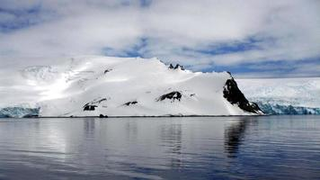 isberg i alaska foto