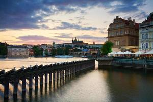 Charles Bridge i Prag, Tjeckien.