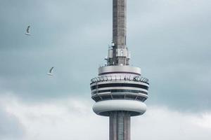 ontario, Kanada, 2020 - cn torn på molnig dag