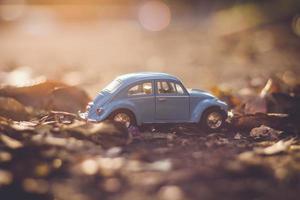 blå modell vw beetle foto