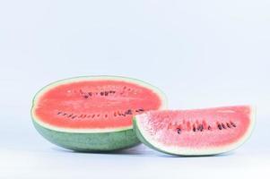 vattenmelon på vit bakgrund