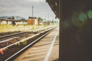 tågstation under dagen foto