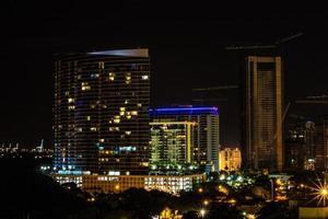 miami, florida, 2020 - stadsbild på natten