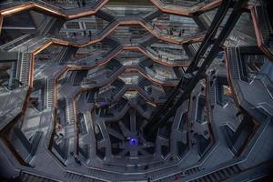 new york city, 2020 - tittar ner genom fartyget