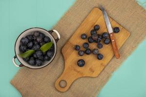 matfotografering platt låg med frukt med kopieringsutrymme foto