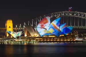 sydney, australien, 2020 - sydney operahus på natten foto