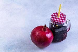 sidovy färsk granatäpplejuice