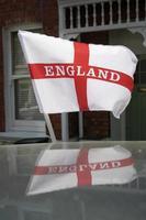 englands flagga och reflektion