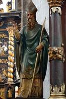 biskop barock skulptur