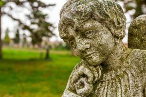 porträtt av en sorglig ängel
